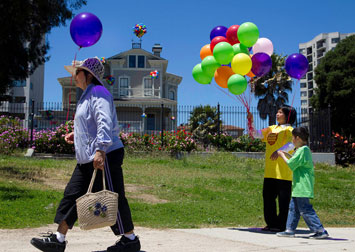 The Great Balloon Giveaway